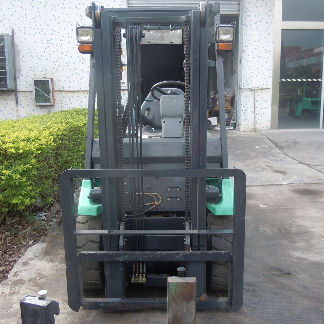 东莞市三菱3吨平衡重式电动叉车出租【价格 价格一览表 多少钱一个月】