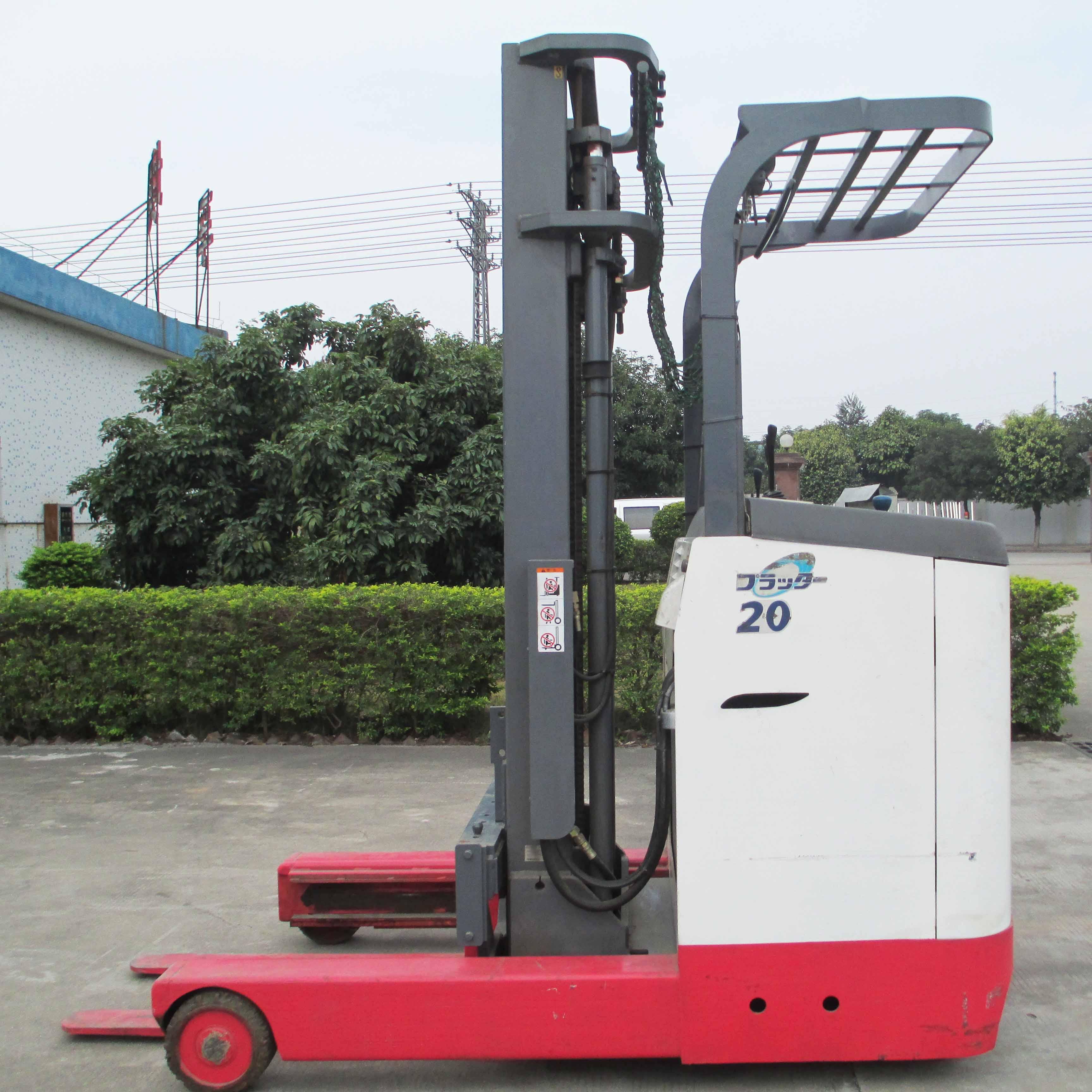 东莞市力至优2吨站驾前移式电动叉车出租【价格 价格一览表 多少钱一个月】
