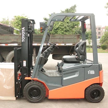 丰田1.5吨平衡重式电动叉车
