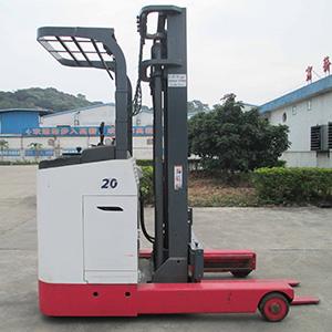 东莞市二手力至优2吨站驾前移式电动叉车出租