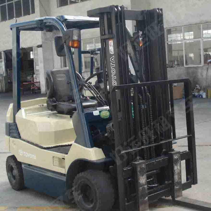东莞市丰田3吨平衡重式电动叉车出租【价格 价格一览表 多少钱一个月】