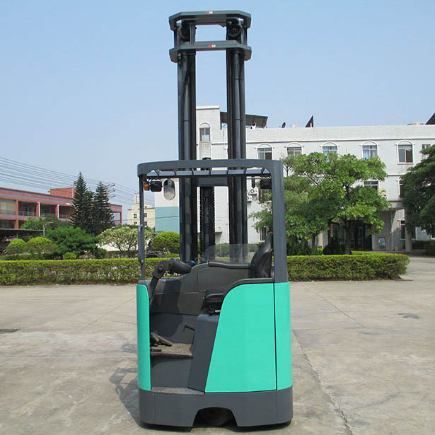 东莞市三菱1.6吨座驾前移式电动叉车出租【价格 价格一览表 多少钱一个月】