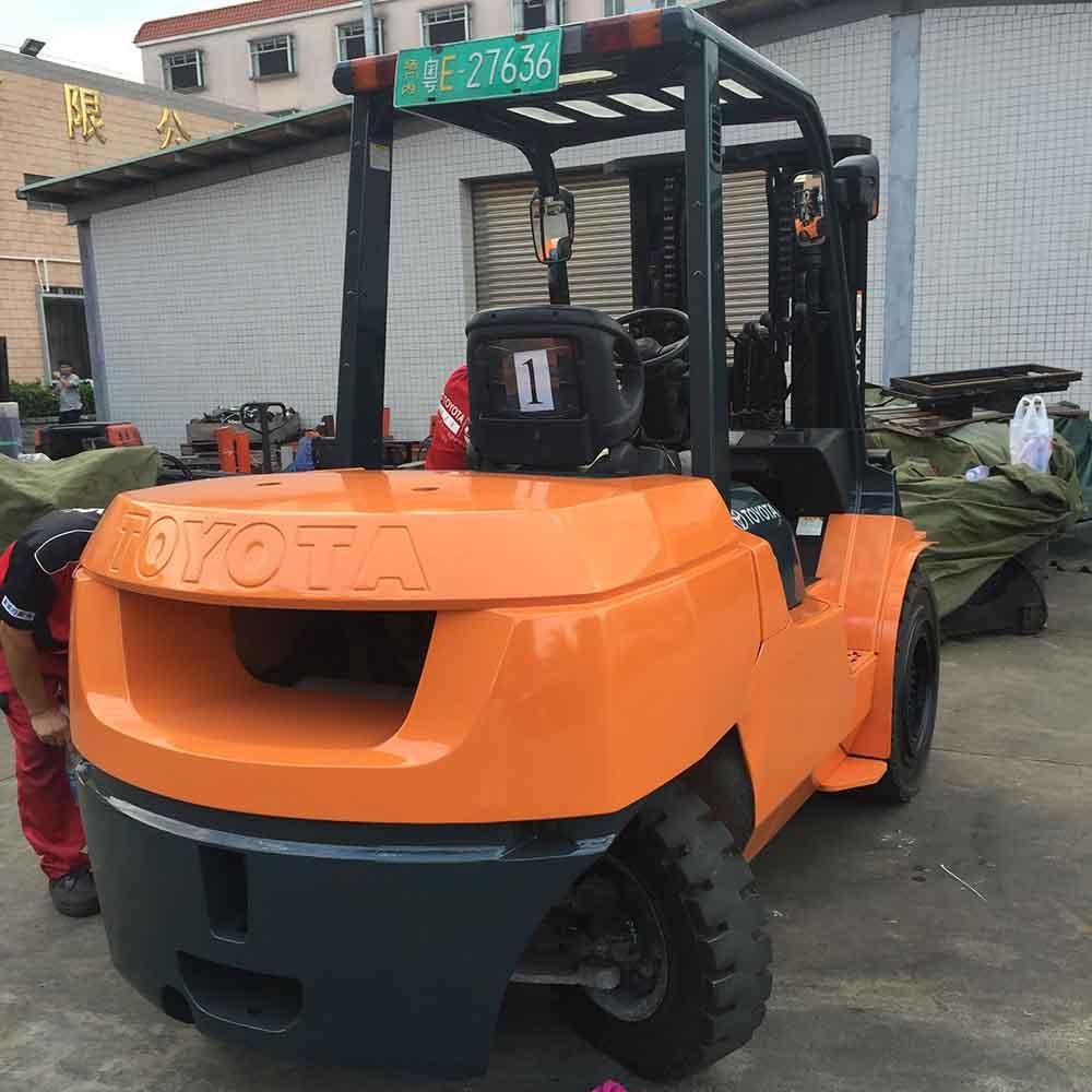 丰田5吨平衡重式柴油叉车