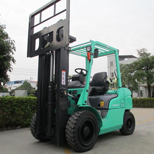 东莞市三菱2吨平衡重式汽油叉车出租【价格 价格一览表 多少钱一个月】