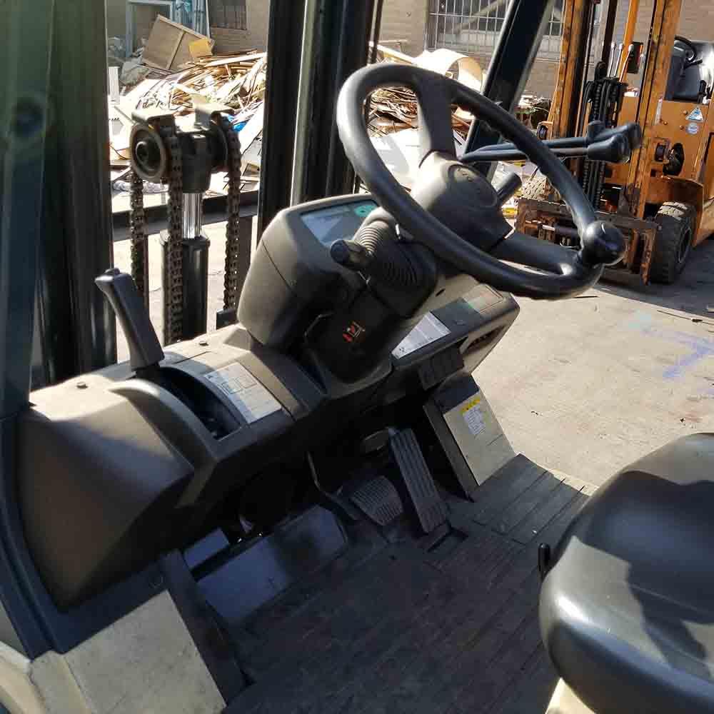 全国丰田1.8吨平衡重式电动叉车出租【价格 价格一览表 多少钱一个月】