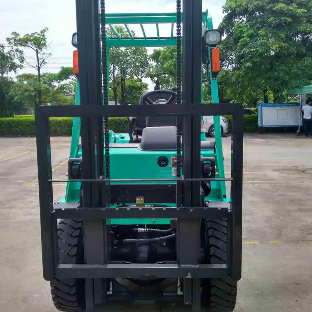 三菱2.5吨液化汽油叉车