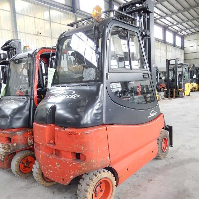 东莞市林德2.5吨平衡重式电动叉车出租【价格 价格一览表 多少钱一个月】