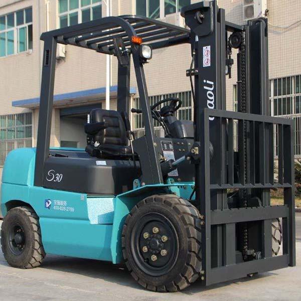 东莞市宝骊3吨平衡重式柴油叉车出租【价格 价格一览表 多少钱一个月】