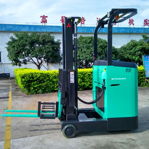 东莞市三菱1.3吨站驾前移式电动叉车出租【价格 价格一览表 多少钱一个月】