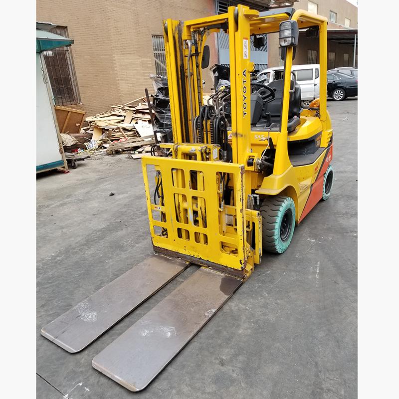 东莞市二手(推拉器)丰田叉车2吨平衡重式叉车出租